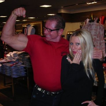 Mr. Universe - Carey met Mr. Universe Stan Frydrych.  Fun Fact:  Stan admitted he has not had pizza or carbs in 23 years...thats dedication!