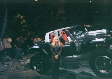 Carey presenting at Detroit Auto Show - Carey Presenting the Jeep Hurricane concept vehicle on opening night in Detroit for the NAIAS 2005